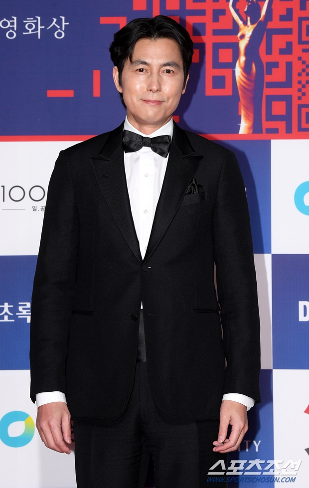 Siêu thảm đỏ Rồng Xanh 2020: Shin Min Ah lộ mặt nhăn nheo gây sốc, chị đại Kim Hye Soo đại náo bên Lee Byung Hun - Jung Woo Sung - Ảnh 12.