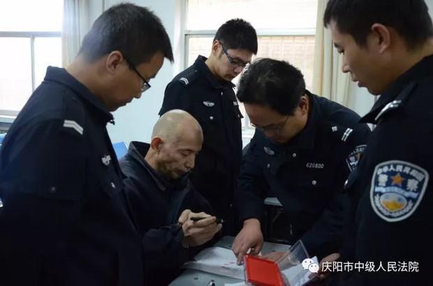 Đám cưới âm hôn ghê rợn nhất Trung Quốc: Lừa gạt, tiêm thuốc biến người sống thành cô dâu ma và cái kết dành cho kẻ săn thi thể - Ảnh 1.