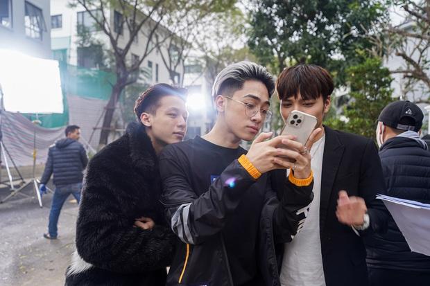 Trai đẹp Free Fire bên cạnh hot boy ảnh thẻ, AS Mobile và Lê Bảo khiến hội chị em rụng rời khi đứng cạnh nhau - Ảnh 6.