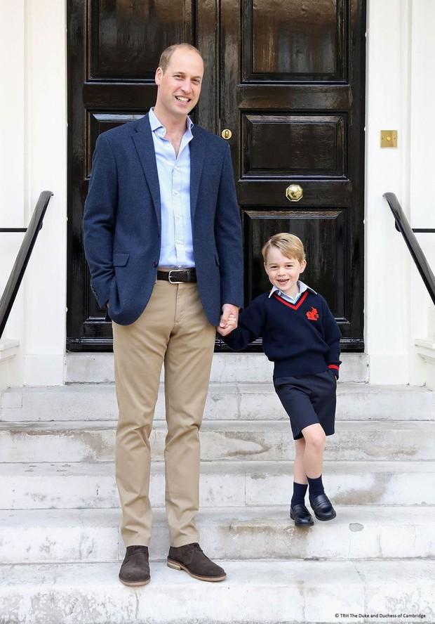 Đức Vua tương lai của Hoàng gia Anh: Những khoảnh khắc thần thái ngất trời của Hoàng tử bé George, mới 7 tuổi nhưng đã ra dáng anh cả - Ảnh 17.