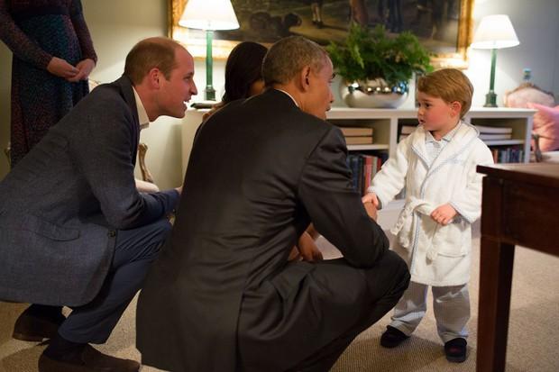 Đức Vua tương lai của Hoàng gia Anh: Những khoảnh khắc thần thái ngất trời của Hoàng tử bé George, mới 7 tuổi nhưng đã ra dáng anh cả - Ảnh 23.