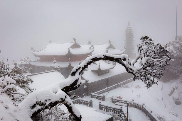 Toàn cảnh đỉnh Fansipan đẹp đến nao lòng trong màu tuyết trắng, ai mà nghĩ đây là Việt Nam chứ? - Ảnh 5.