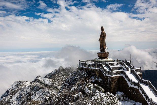 Toàn cảnh đỉnh Fansipan đẹp đến nao lòng trong màu tuyết trắng, ai mà nghĩ đây là Việt Nam chứ? - Ảnh 10.