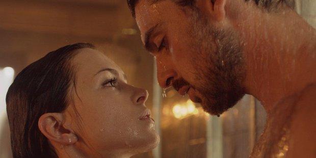 Valentine ở nhà cũng sướng vì loạt phim tình cảm ngập cảnh nóng hôi hổi, ai mất niềm tin vào tình yêu thì xem ngay số 7 sẽ hết hồn! - Ảnh 3.