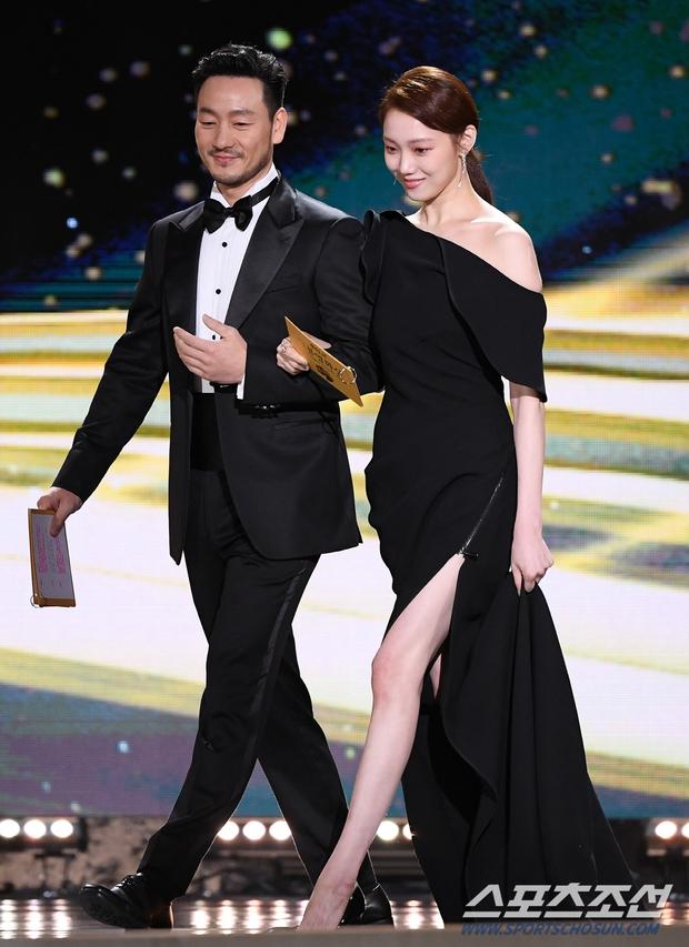 Dàn mỹ nhân hot nhất Rồng Xanh 2020: Sohee khoe vòng 1 bức thở, Lee Sung Kyung át cả Han Hyo Joo vì chân... siêu dài - Ảnh 8.