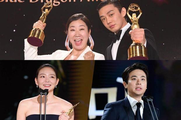 Yoo Ah In hốt đậm tại lễ trao giải Rồng Xanh 2020, hai lần làm Ảnh Đế là không đùa được đâu! - Ảnh 2.