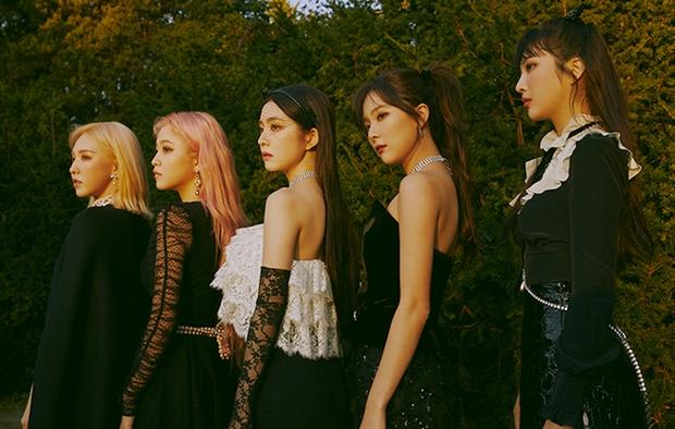 Wendy (Red Velvet) phải nẹp chặt hàm sau tai nạn ngã sân khấu, dưỡng thương nhưng vẫn chăm chỉ tập hát khiến producer cảm động - Ảnh 6.