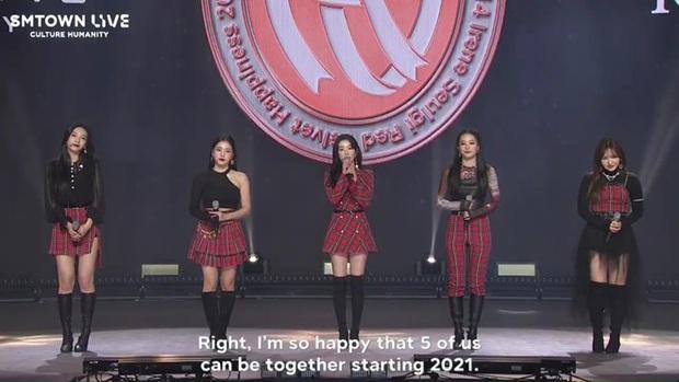 Wendy (Red Velvet) phải nẹp chặt hàm sau tai nạn ngã sân khấu, dưỡng thương nhưng vẫn chăm chỉ tập hát khiến producer cảm động - Ảnh 2.