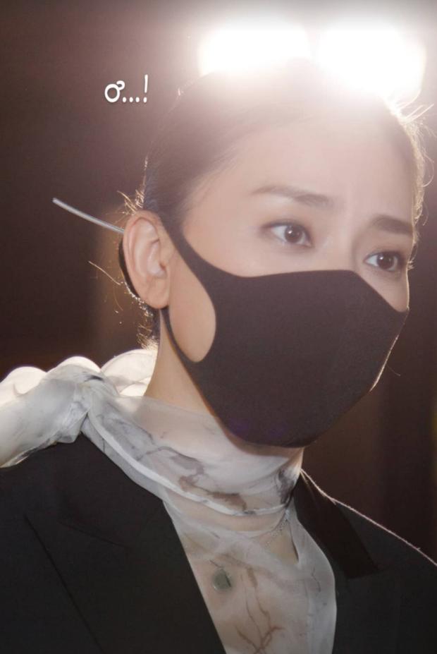 Clip: Huy Trần hẹn hò Ngô Thanh Vân ở rạp chiếu phim, nhà gái vừa thấy camera lập tức có động thái tránh né - Ảnh 5.
