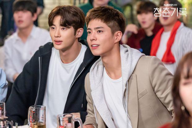 Ban biên tập khét tiếng xứ Hàn tổng kết phim ảnh 2020: Đôi Hyun Bin - Son Ye Jin hụt giải quan trọng, Park Bo Gum gây thất vọng - Ảnh 20.