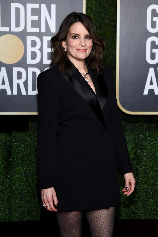 Thảm đỏ lạ nhất lịch sử Golden Globes: Harley Quinn dừ chát, Gal Gadot đẹp mê mẩn, nhìn Lily Collins còn choáng hơn - Ảnh 11.