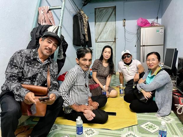 NS Thương Tín đã xuất viện sau 3 ngày đột quỵ, hình ảnh căn phòng trọ vỏn vẹn 20m2 tá túc cùng vợ gây xót xa - Ảnh 10.