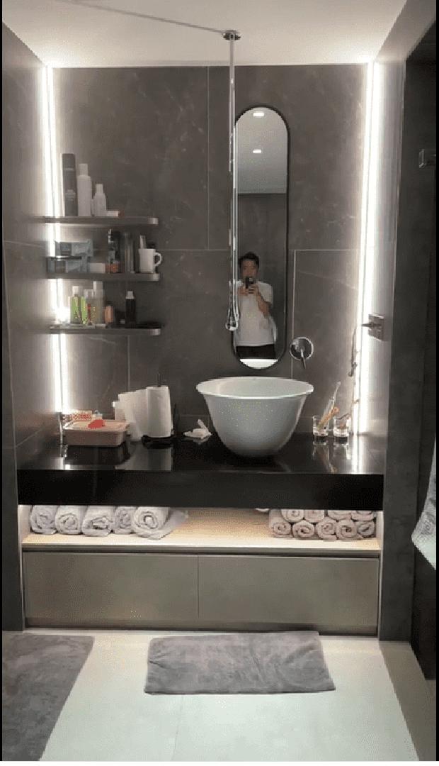 Trấn Thành khoe biệt thự mới tậu: Phòng tắm sang xịn mịn như khách sạn 5 sao, view nhìn ra thành phố đẹp mê li! - Ảnh 2.