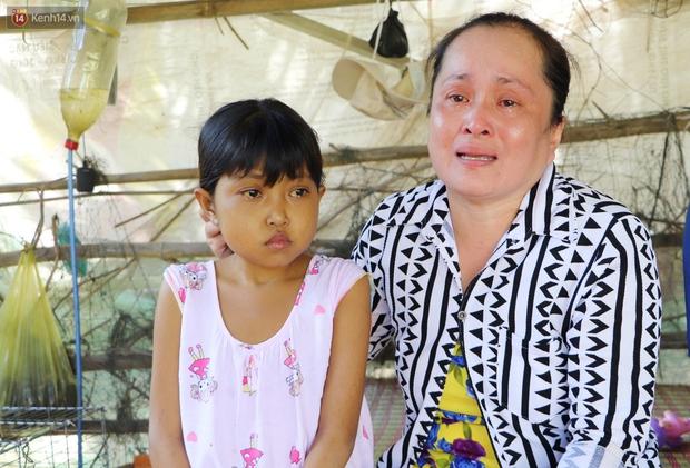 Nước mắt người mẹ có con gái bị teo gan, lá lách to đang chết mòn vì gia cảnh cùng cực: Chỉ sợ nó bỏ mình mà đi - Ảnh 3.