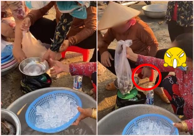 Chỉ bằng 1 chai nước suối, thanh niên đã kịp vạch mặt thủ đoạn cân điêu ăn 5 lạng - trả tiền 1,2kg - Ảnh 3.