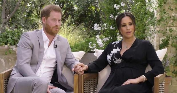 Hoàng tử Harry gây sốc khi lần đầu đích thân nói về lý do rời bỏ Hoàng gia Anh có liên quan đến Meghan Markle trong buổi phỏng vấn Một Lần Kể Hết - Ảnh 2.