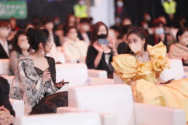 """Dàn mỹ nhân chung khung hình ở Đêm Weibo: Angela Baby, Dương Mịch và Triệu Lệ Dĩnh so kè, Trương Vũ Kỳ chấp luôn nhờ """"bức tử"""" vòng 1 - Ảnh 4."""
