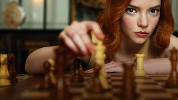 The Queens Gambit thắng lớn ở Quả Cầu Vàng 2021, xem danh sách kết quả toàn là những cái tên cực kỳ xứng đáng! - Ảnh 1.