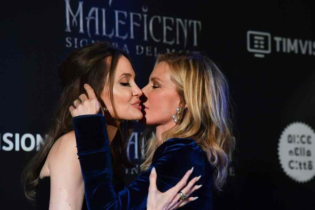 Tranh cãi chuyện tình của Angelina Jolie hậu ly hôn: Hẹn hò đồng tính, bị nghi là Tuesday phá hoại gia đình Thor và Johnny Depp? - Ảnh 5.
