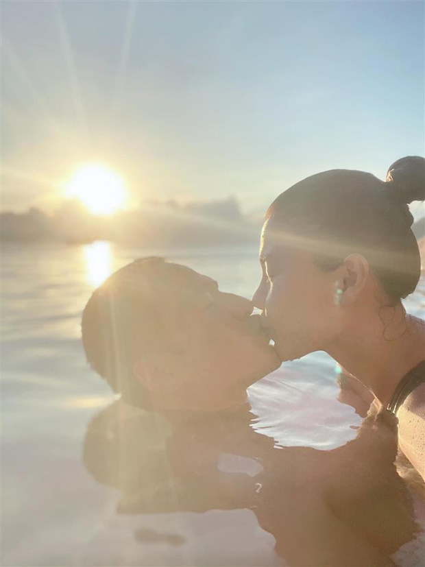 Thuý Diễm - Lương Thế Thành trốn con đi hẹn hò: Mẹ bỉm khoe body gợi cảm, cưới 5 năm vẫn như hồi honeymoon lãng mạn quá đi! - Ảnh 6.