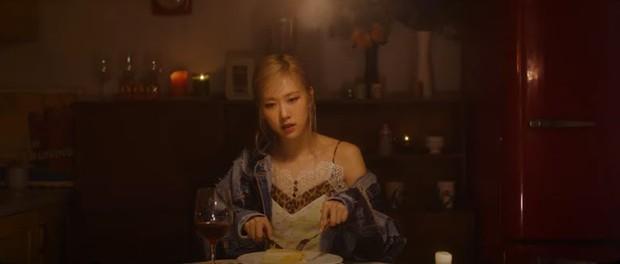 iKON chưa kịp comeback YG đã vội tung teaser của Rosé: Người chỉ trích, kẻ lại háo hức mong chờ tương tác sân khấu - Ảnh 5.