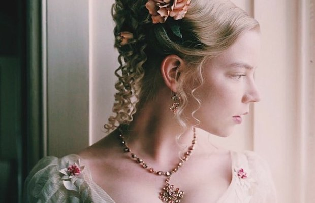 Anya Taylor-Joy là ai mà rung chuyển cả Hollywood vì quá đẹp? Visual như báu vật, vòng 1 bức thở, choáng nhất ảnh chụp vội - Ảnh 14.
