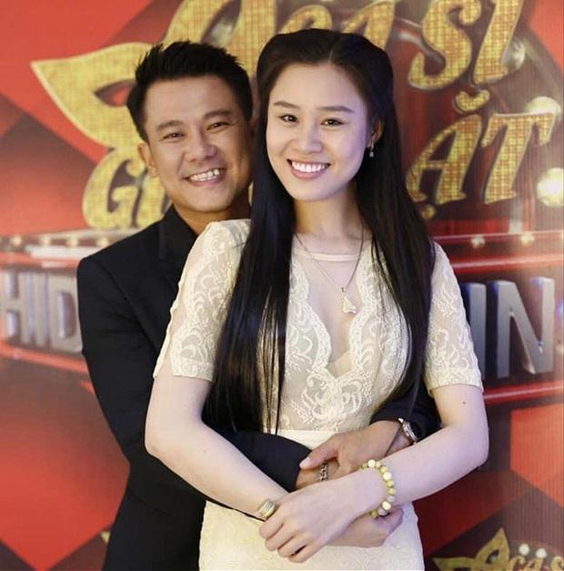 Vợ Vân Quang Long livestream làm rõ chuyện tiền phúng điếu, từ chối nhận trợ cấp nuôi con từ Dương Ngọc Thái - Ảnh 4.