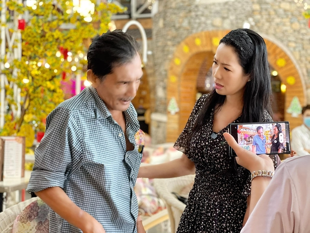 NS Trịnh Kim Chi nói rõ thực hư về chiếc ô tô 400 triệu NS Thương Tín tự lái về quê sau khi xuất viện - Ảnh 4.