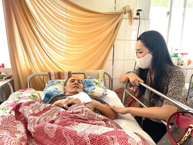 NS Hoàng Lan 7 tháng nằm trên giường bệnh không người thân chăm sóc, Trịnh Kim Chi xót xa kêu cứu giúp - Ảnh 2.