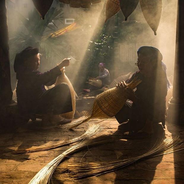 Nhiếp ảnh gia người Việt kể chuyện làm việc với National Geographic: Sửa chú thích 6 lần mới được duyệt, gian khổ đổi lấy thành tích hiếm ai có được - Ảnh 7.