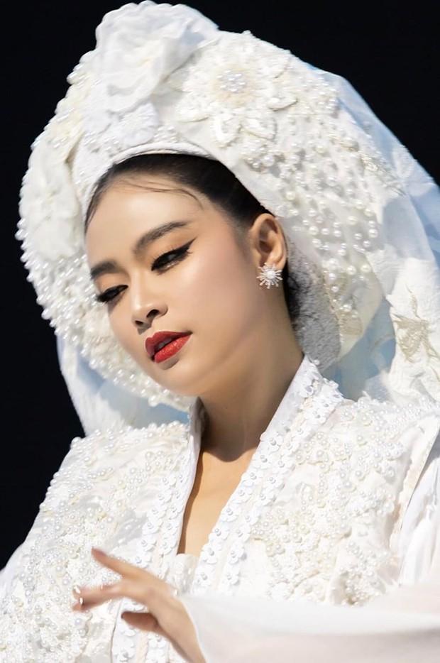 """Màn """"phù phép"""" đỉnh cao của Minh Lộc: Make up cho Nhã Phương - Đông Nhi ở đám cưới thế kỷ, giúp Lý Nhã Kỳ """"chặt chém"""" thảm đỏ Cannes - Ảnh 18."""