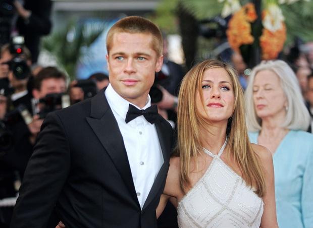 Brad Pitt tái hợp với vợ cũ Jennifer Aniston sau 15 năm, mẹ ruột cũng giục giã vì sợ Angelina giở trò bẩn? - Ảnh 3.