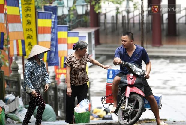 Chùm ảnh: Người dân phấn khởi dọn dẹp, chuẩn bị đò giang để chờ ngày đón khách trở lại Chùa Hương - Ảnh 16.