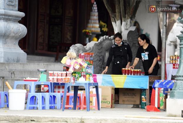 Chùm ảnh: Người dân phấn khởi dọn dẹp, chuẩn bị đò giang để chờ ngày đón khách trở lại Chùa Hương - Ảnh 3.