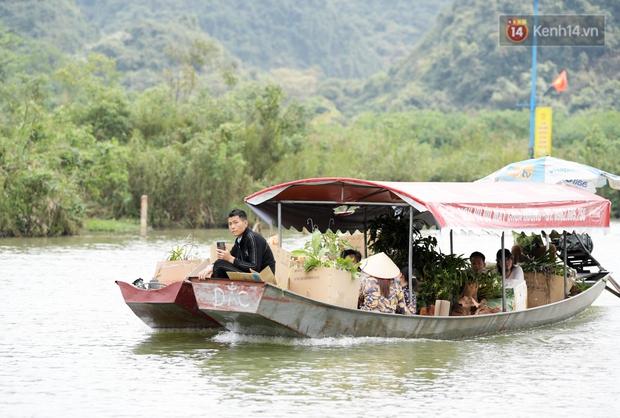 Chùm ảnh: Người dân phấn khởi dọn dẹp, chuẩn bị đò giang để chờ ngày đón khách trở lại Chùa Hương - Ảnh 5.