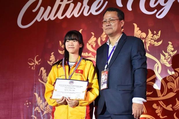 Gặp nữ sinh vô địch giải cờ vua châu Á, giành học bổng 3,3 tỷ đồng: Mình chưa hài lòng với mức điểm 7.0 IELTS - Ảnh 4.