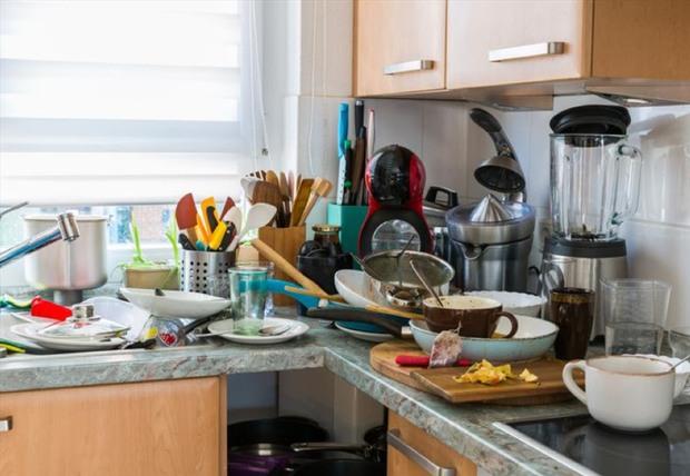 Thứ này ở trong bếp độc gấp 68 lần asen, dù tiếc bạn cũng phải vứt đi ngay kẻo ung thư ập đến - Ảnh 1.