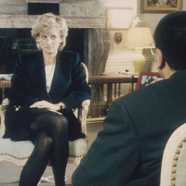 Sao chép Công nương Diana trong cuộc phỏng vấn bom tấn, Meghan Markle đang chịu chung nỗi khổ với mẹ chồng quá cố hay lợi dụng hào quang để nổi tiếng? - Ảnh 5.