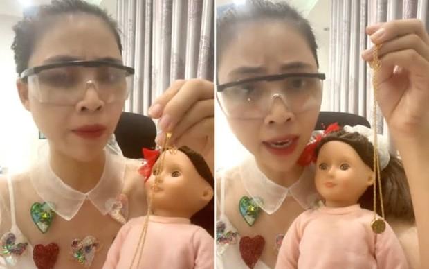 Tiến sĩ tâm lý: Xem clip xin vía học giỏi của YouTuber Thơ Nguyễn, trẻ em sẽ nuôi dưỡng độc hại từ trong tâm hồn - Ảnh 1.