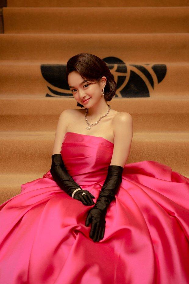 Super soi váy áo trong Gái Già Lắm Chiêu V: Toàn hàng thiết kế độc quyền, bóc giá loạt đồ hiệu mà tiền đình! - Ảnh 2.