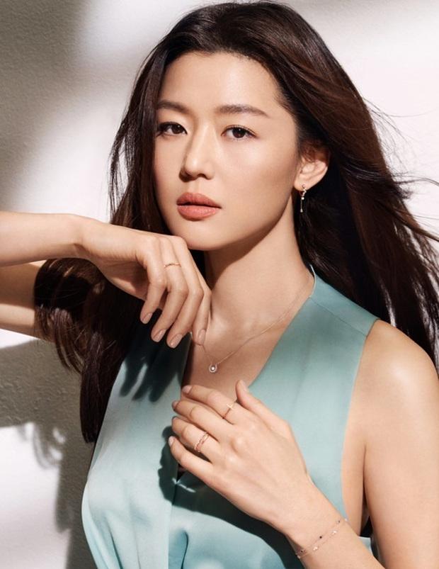 Tranh cãi BXH nữ diễn viên đẹp nhất xứ Hàn: Top 3 bị phản đối, sao nhí đè bẹp cả Song Hye Kyo, Kim Tae Hee và dàn nữ thần Kpop - Ảnh 16.