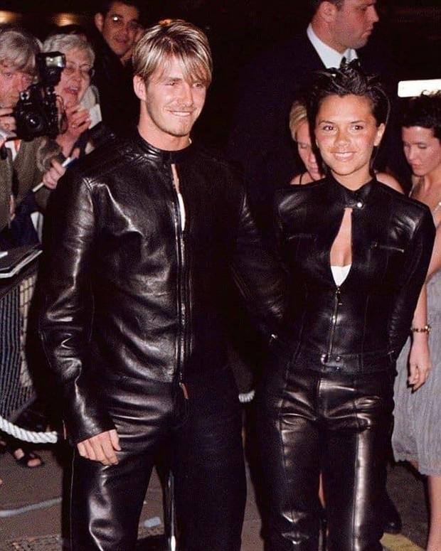 Mê mẩn bộ ảnh tay trong tay của vợ chồng David Beckham thời thập niên 90s, khớp lệnh từ visual, thần thái đến thời trang! - Ảnh 4.