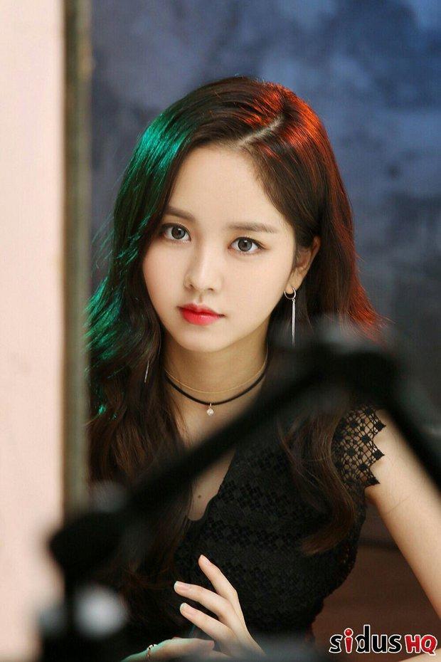 Tranh cãi BXH nữ diễn viên đẹp nhất xứ Hàn: Top 3 bị phản đối, sao nhí đè bẹp cả Song Hye Kyo, Kim Tae Hee và dàn nữ thần Kpop - Ảnh 2.