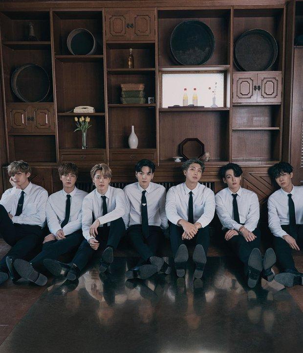 Lý do Knet gọi 2020 là năm của BTS: Thống trị mảng nghệ sĩ và album toàn cầu, gọi tên huyền thoại sống vì vượt dàn sao US-UK - Ảnh 7.