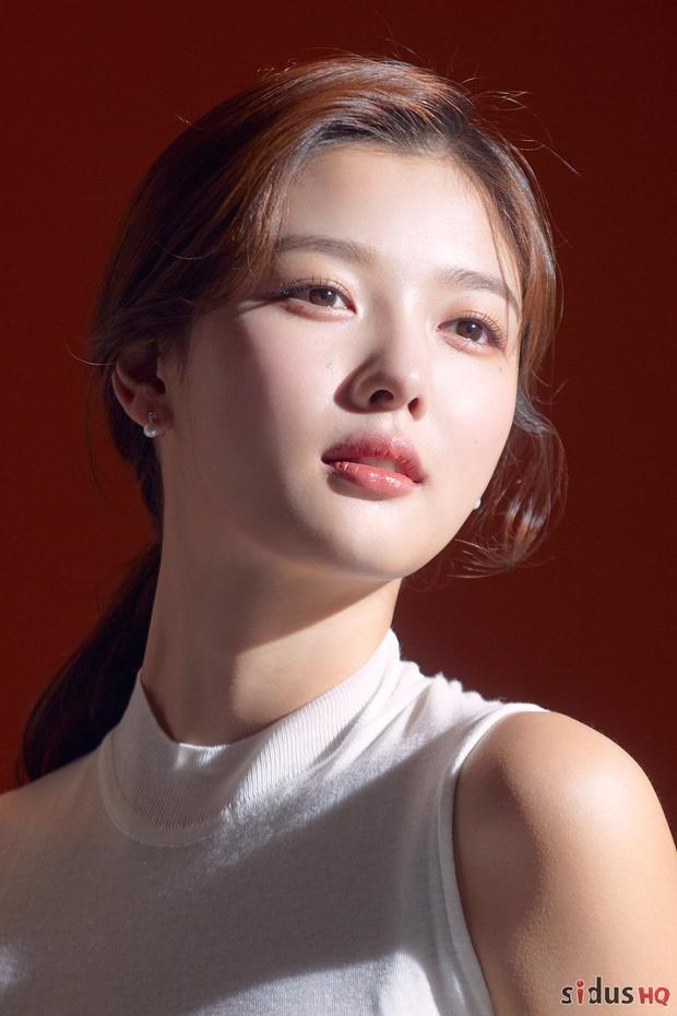 Tranh cãi BXH nữ diễn viên đẹp nhất xứ Hàn: Top 3 bị phản đối, sao nhí đè bẹp cả Song Hye Kyo, Kim Tae Hee và dàn nữ thần Kpop - Ảnh 7.