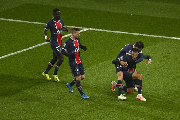 Messi đá hỏng phạt đền, Barca bị loại khỏi Champions League - Ảnh 1.