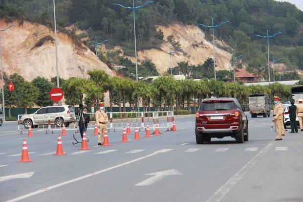 Từ hôm nay, Quảng Ninh đồng loạt mở lại các hoạt động sau dịch COVID-19 - Ảnh 1.