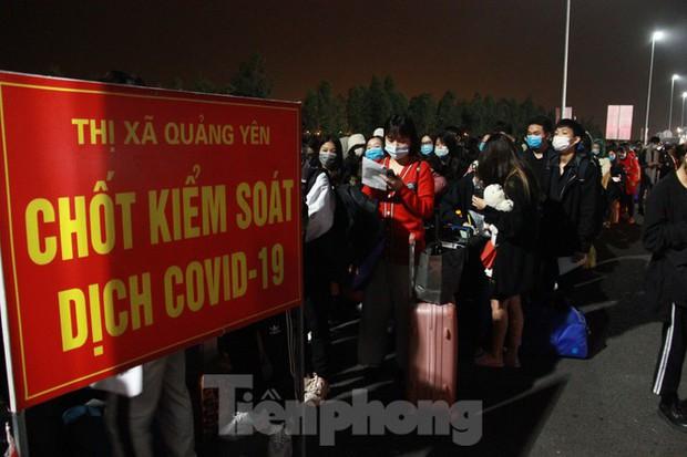 Từ hôm nay, Quảng Ninh đồng loạt mở lại các hoạt động sau dịch COVID-19 - Ảnh 2.