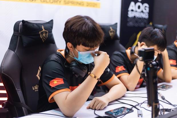 Saigon Phantom và Cerberus Esports cạnh tranh khốc liệt ngôi đầu, Team Flash đứng trước nguy cơ lần đầu tiên bật khỏi top 4  - Ảnh 6.