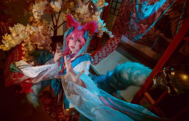 Ngất trên giàn quất với loạt ảnh cosplay Ahri Chiêu Hồn Thiên Hồ do mỹ nhân người Việt hóa thân - Ảnh 13.